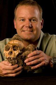 220px-Lee_Berger_and_the_Cranium_of_Australopithecus_sediba_MH1