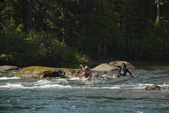 Canoeing the Bowron Lakes circuit. Bowron Lakes Provincial Park. British Columbia, Canada
