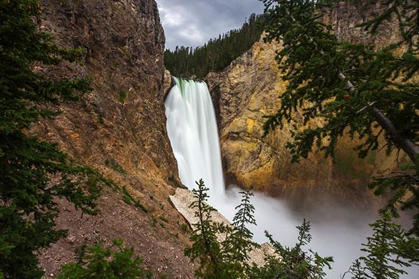 yellow-stone-waterfall
